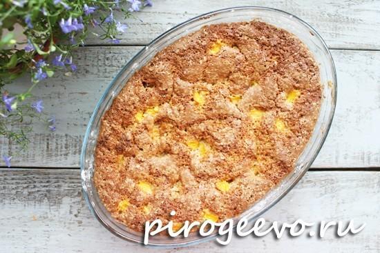 Персиковый пирог в готовом виде