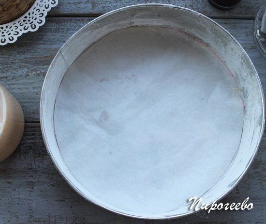 Смазывать ли форму для бисквита
