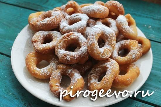 Пончики на кефире готовы за 15 минут