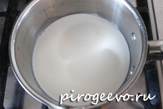 Подогреваем молоко до температуры 40 С