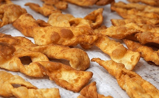 Рецепт вкусного хвороста на кефире пошагово