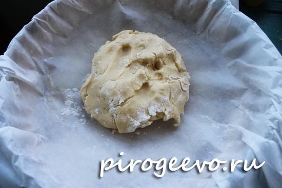 Из оставшейся части будем формировать дно пирога