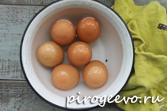 Как быстро согреть яйца