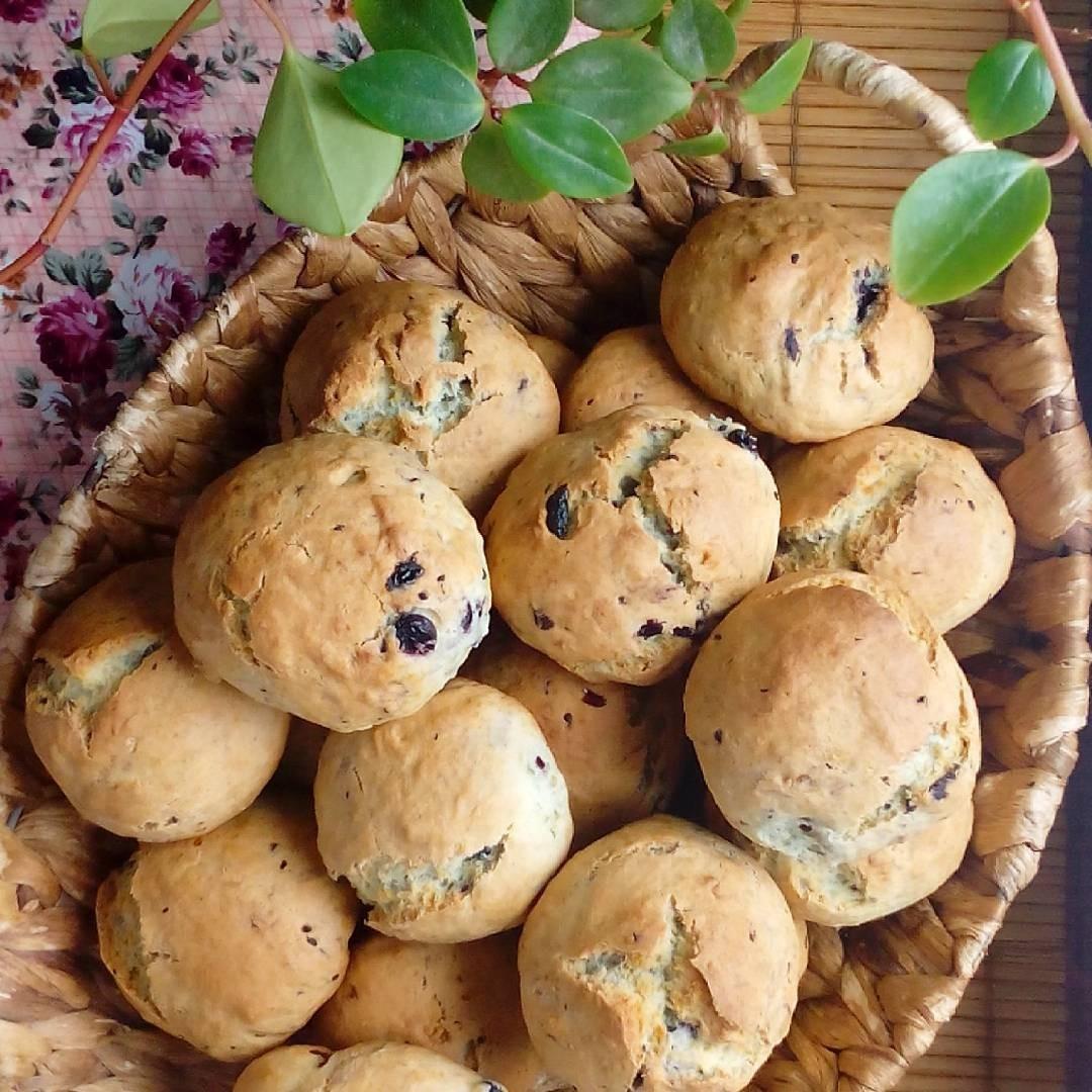 Насыщенное орехами и сухофруктами тесто нравится всем без исключения.