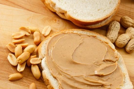 С чем есть арахисовую пасту