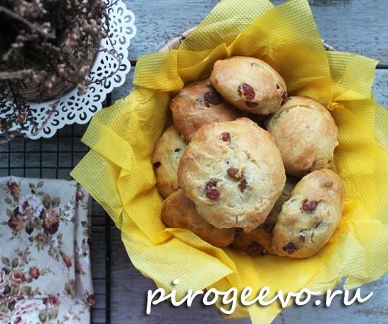 Рассыпчатое вкусное печенье на рассоле с изюмом