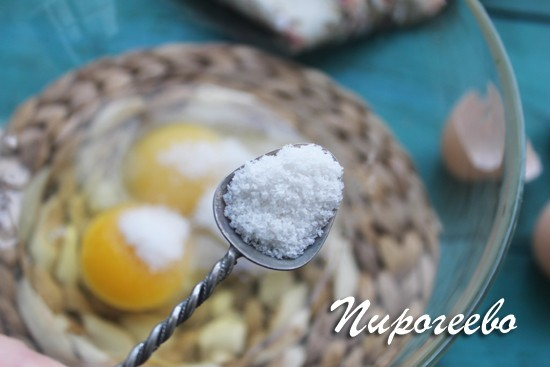 Немного соли оттенит сладкий вкус блинчиков