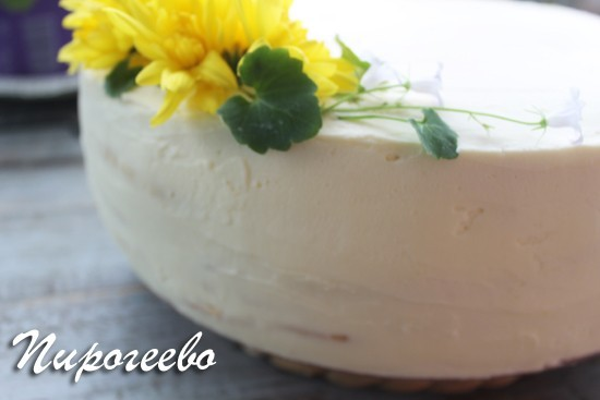 Украшаем торт хризантемой