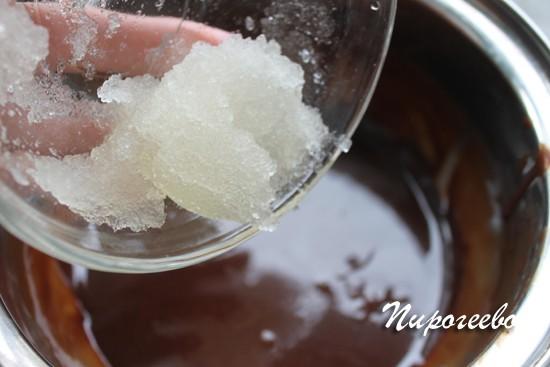 Добавляем желатин в шоколадный ганаш