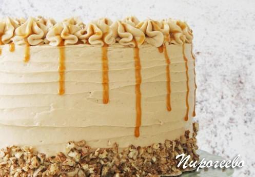 Крем из масла и сгущенки для украшения торта и капкейков