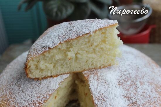 Бисквит на кефире можно использовать для торта