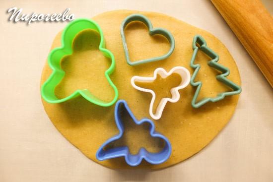 Для приготовления имбирного печенья понадобятся формы