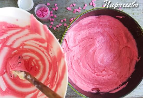 Розовое тесто для бисквита