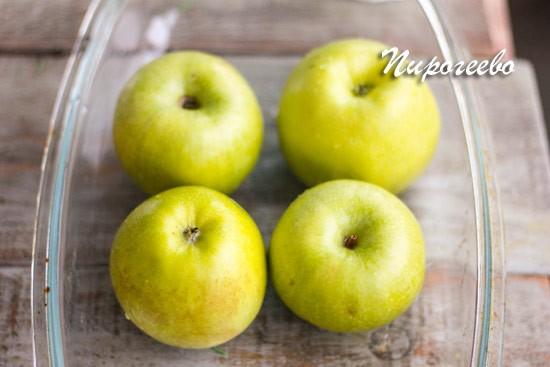 Запекаем яблоки в подходящей таре