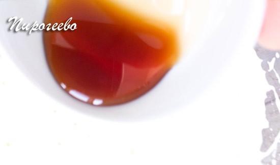 Экстракт ванили добавляем в тесто