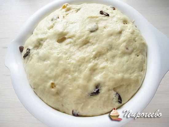 Дрожжевое тесто должно хорошо подойти