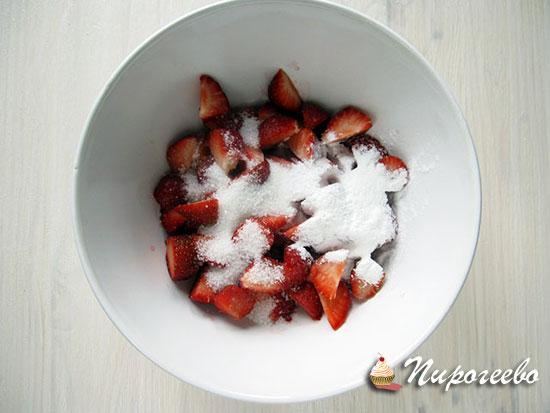 Добавляем сахарную пудру и кукурузный крахмал