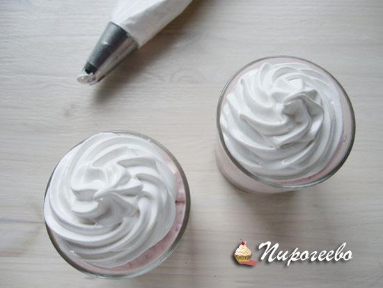 Украшаем порционное мороженое  заварным кремом