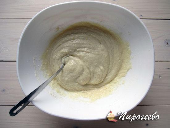 Замешиваем тесто для панкейков