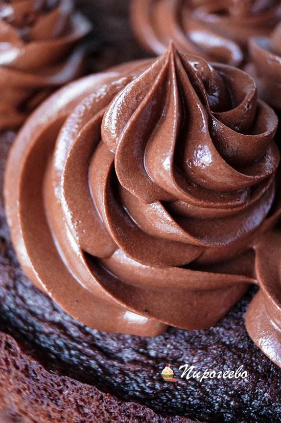 Украшение торта шоколадным кремом