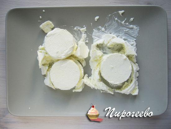 Сделать вырезки из мороженого