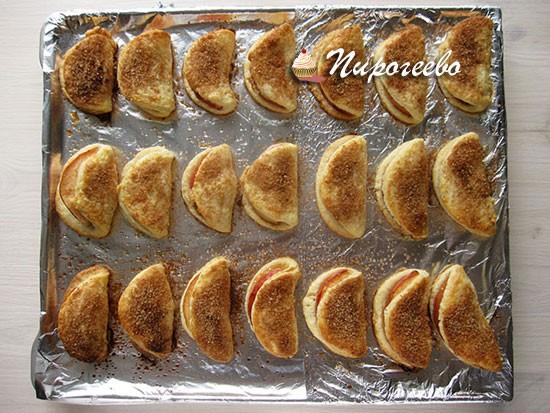 Песочное печенье выпекать до готовности