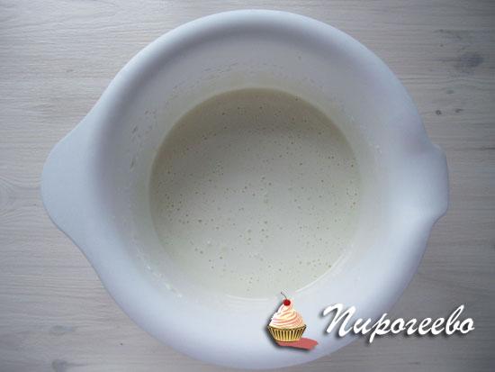 Взбитые яйца с сахаром
