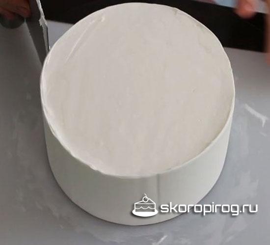 Как выровнять торт кремом