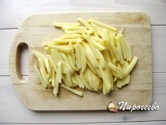 Нарезать картошку соломкой