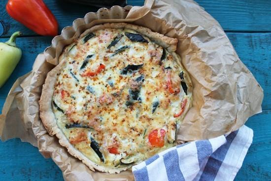 Французский пирог киш с овощами и курицей