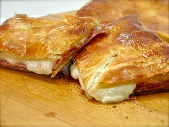Слойки с сыром на сковороде