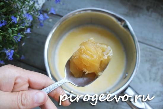 Растворяем мед в жидкости