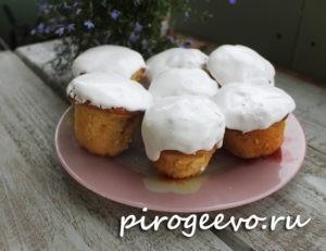 Пасхальные кексы с глазурью