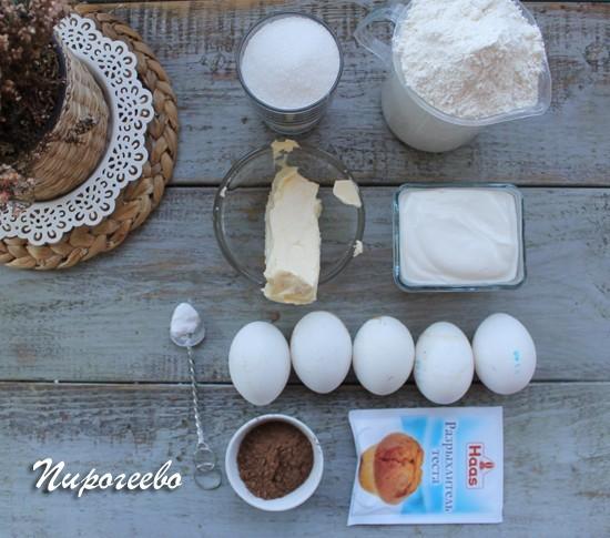 """Как приготовить вкусный пирог """"Зебра"""" на сметане"""