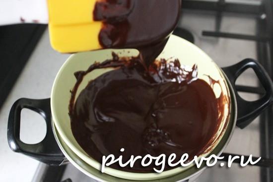 Шоколад с маслом превратились в однородную смесь