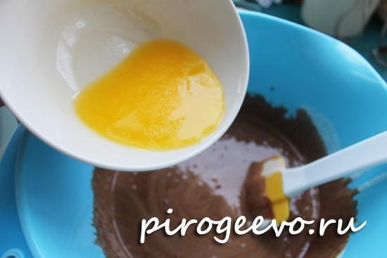 Добавить сливочное масло в тесто