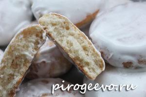 Печенье из творога в разломе