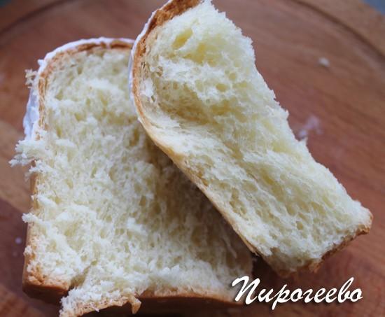 Пористое тесто сливочного кулича