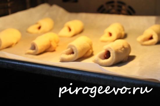 Печенье выпекается в духовке при 180 С