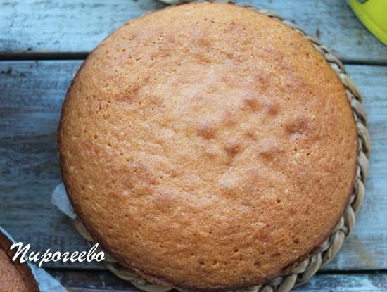 Готовый бисквит королевы Виктории