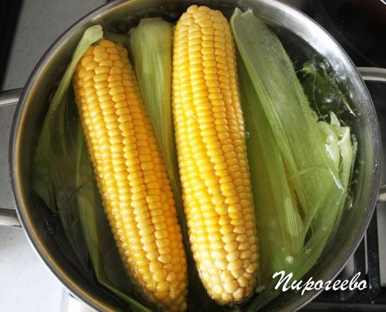 Варим кукурузу не больше двадцати минут