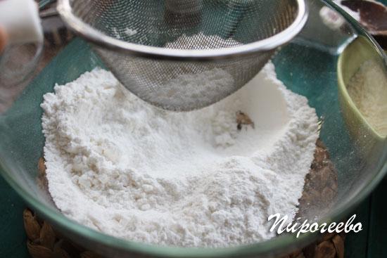 Просеиваем сахарную пудру