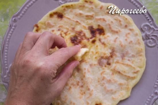 Хычины с картофельным пюре и сыром - рецепт пошаговый с фото