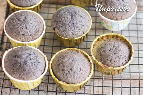 Пирожные из муки черного кунжута