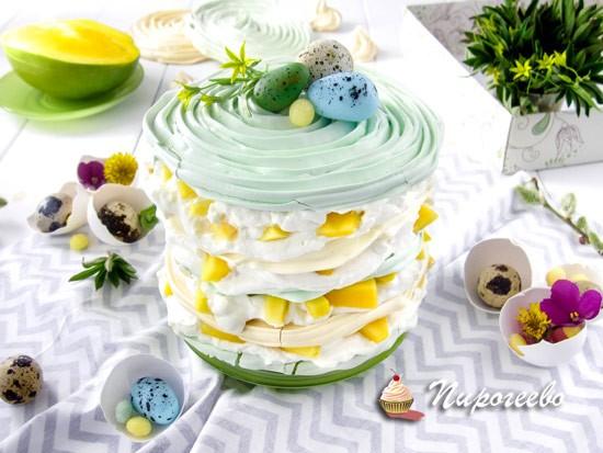 Торт-безе со взбитыми сливками