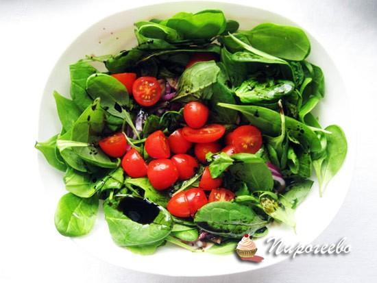 Вкусный салат с консервированным тунцом