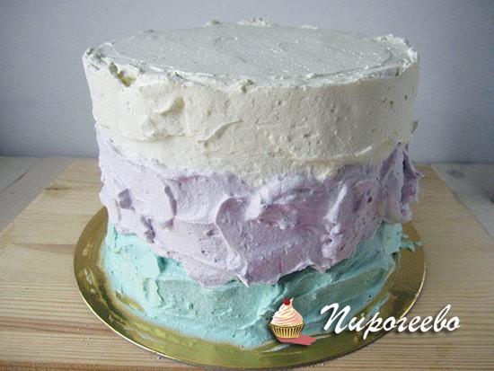 Покрываем торт тремя видами крема