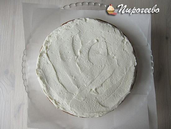 Готовим сливочный крем для торта с клубникой