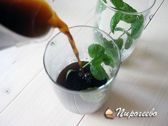 Добавить кофе к мяте с сахаром