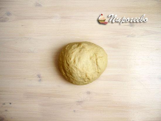 Убрать тесто в теплое место